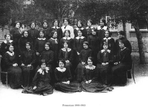 ENFillesCne-1910-13-ColYGelez-Photo